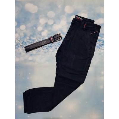 Pantalón chino marino con cinturón